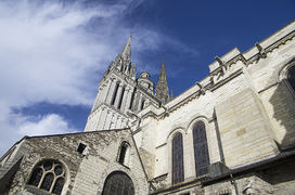 Angers cathedrale clocher 2012.jpg