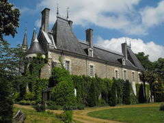Gennes chateau milly 2009a.jpg